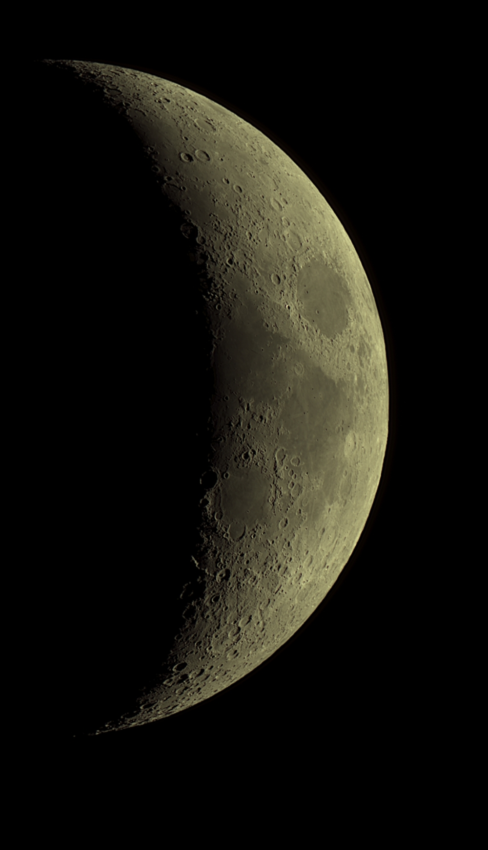 Moon_20180420_AutoStakkert2_wavelet_19_32_17_g4_ap1